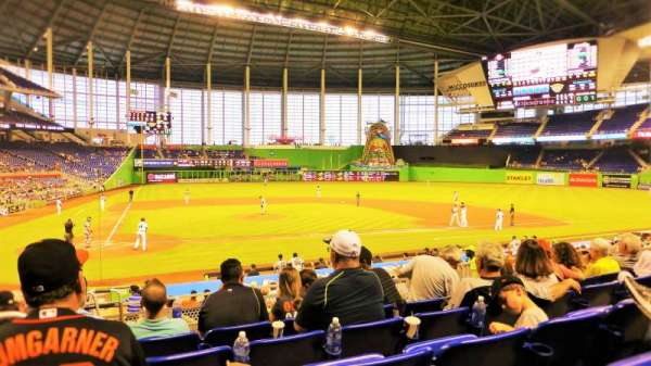 Marlins Park, section: 10, rangée: 5, siège: 19