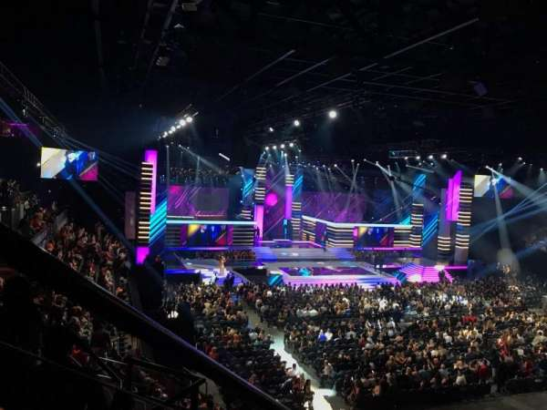 Mandalay Bay Events Center, section: 211, rangée: E, siège: 7