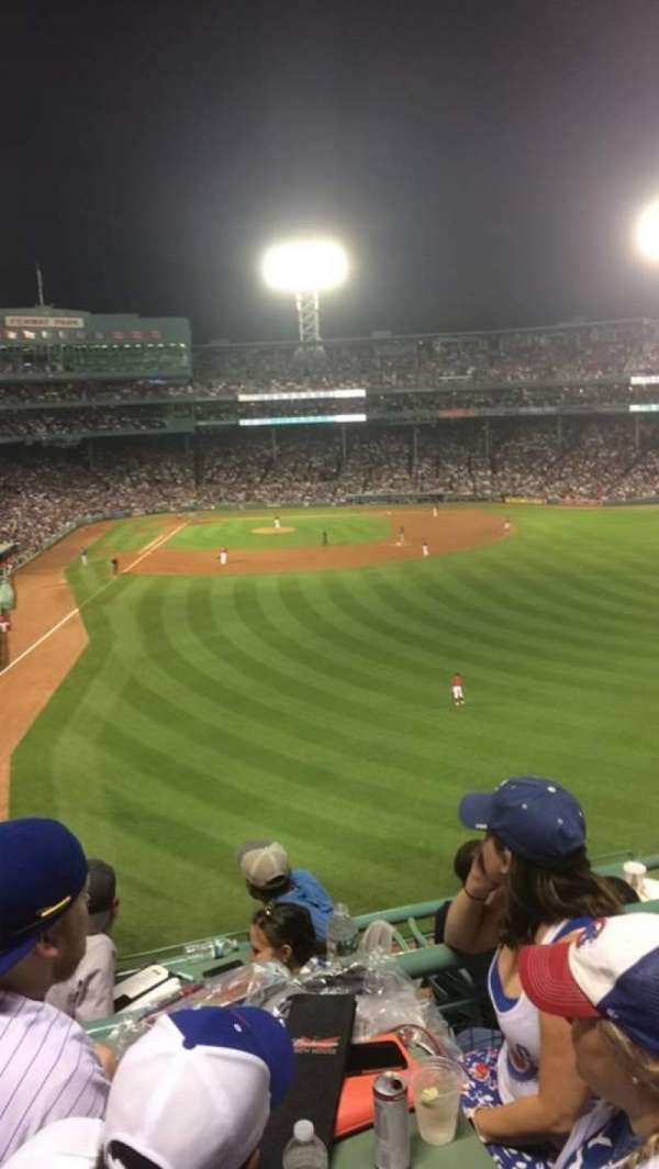 Fenway Park, section: Right Field Roof Deck, rangée: 3