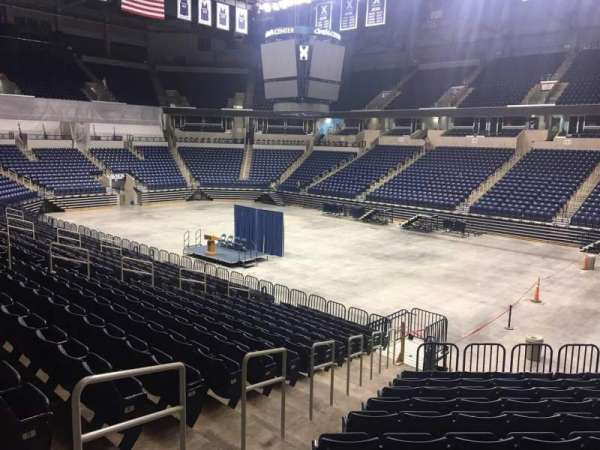Cintas Center, section: 116, rangée: V, siège: 3