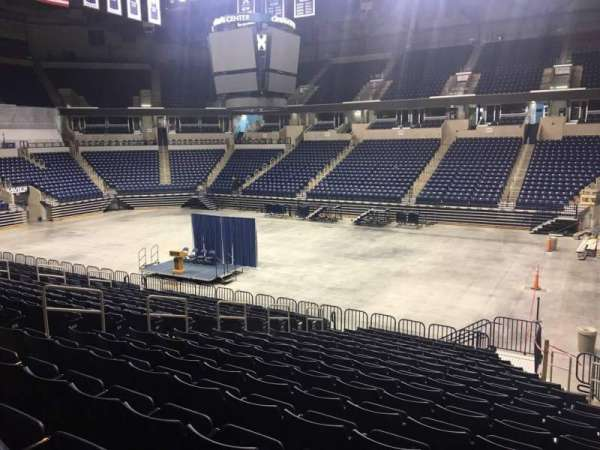Cintas Center, section: 114, rangée: V, siège: 3