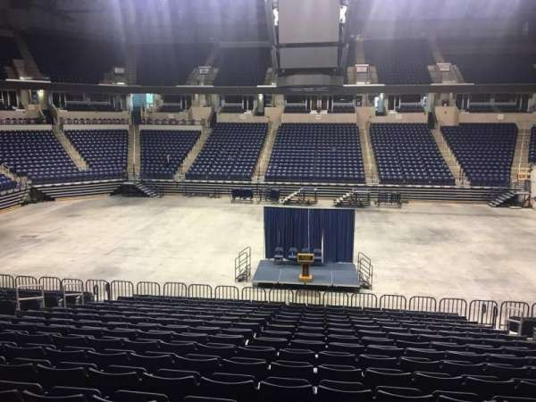 Cintas Center, section: 110, rangée: V, siège: 5