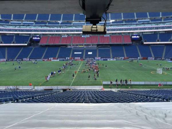 Gillette Stadium, section: 109, rangée: 38, siège: 12