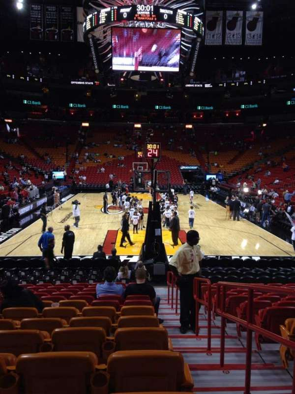 American Airlines Arena, section: 101, rangée: 16, siège: 1