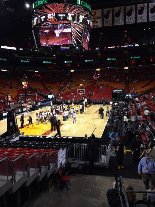 American Airlines Arena, section: 124, rangée: 16, siège: 2