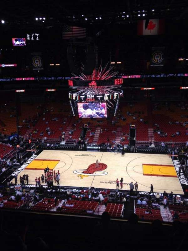 American Airlines Arena, section: 308, rangée: 7, siège: 4