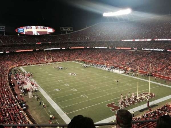 Arrowhead Stadium, section: 315, rangée: 3, siège: 20