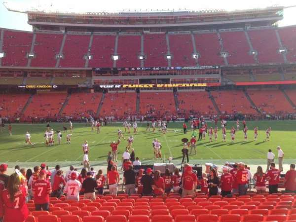 Arrowhead Stadium, section: 101, rangée: 15, siège: 18