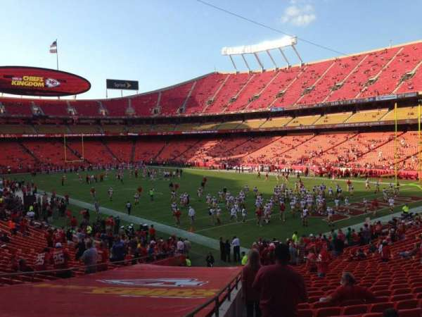 Arrowhead Stadium, section: 113, rangée: 30, siège: 23