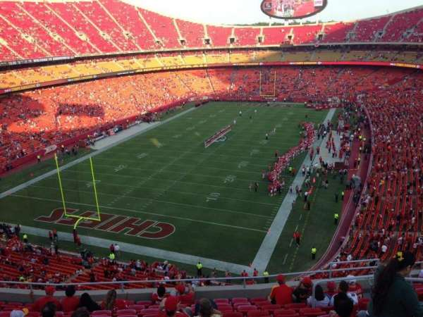 Arrowhead Stadium, section: 333, rangée: 12, siège: 9