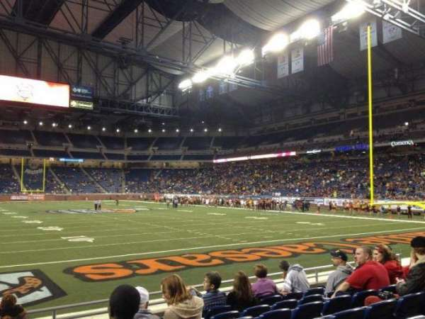 Ford Field, section: 115, rangée: 6