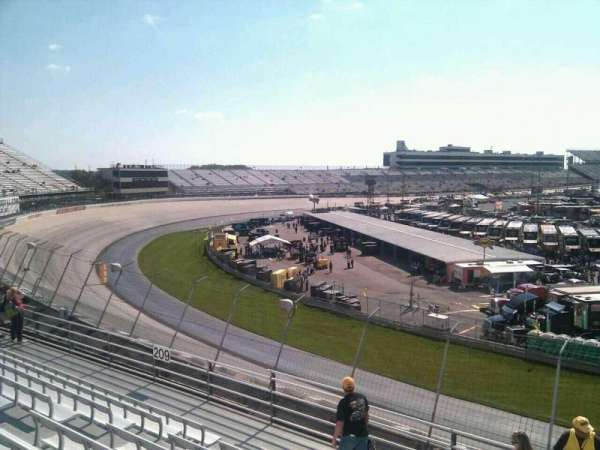 Dover International Speedway, section: 208, rangée: 9, siège: 9