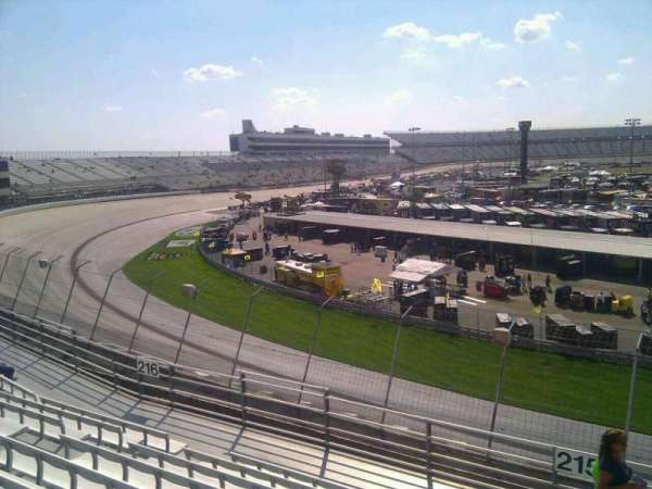 Dover International Speedway, section: 215, rangée: 9, siège: 9