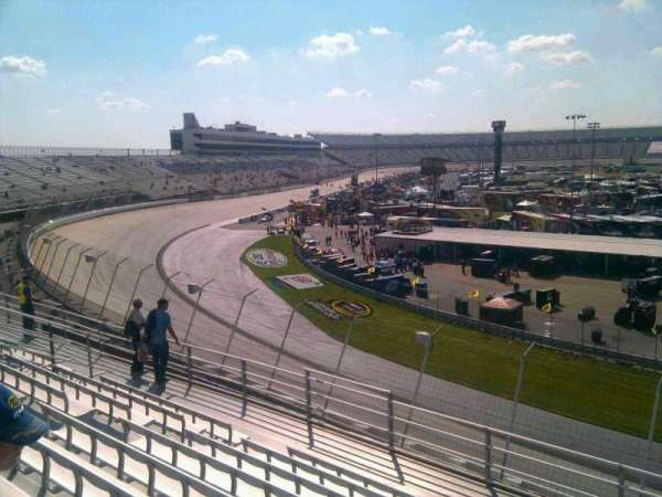 Dover International Speedway, section: 221, rangée: 9, siège: 9
