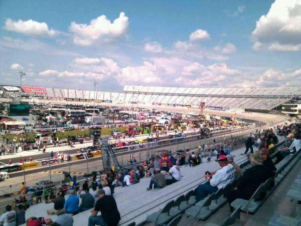 Dover International Speedway, section: 102, rangée: 30, siège: 9