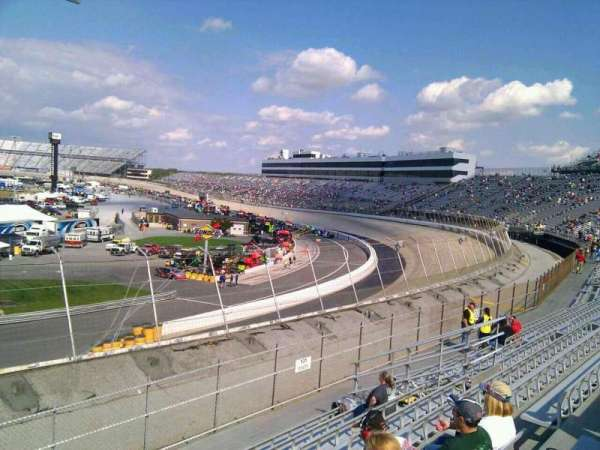Dover International Speedway, section: 132, rangée: 14, siège: 9