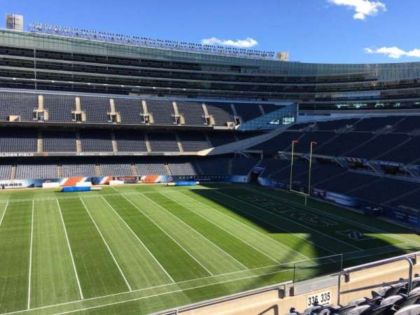 Soldier Field, section: 336, rangée: 6, siège: 20
