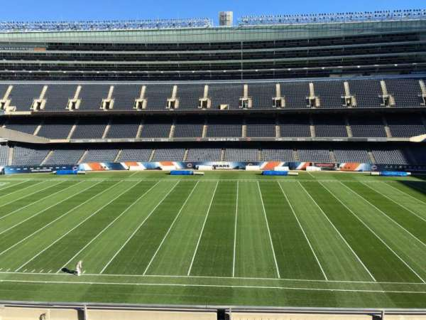 Soldier Field, section: 336, rangée: 6, siège: 10