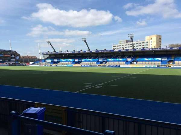 Cardiff Arms Park, section: Standing 2, rangée: 10