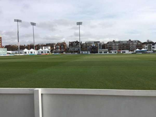 County Cricket Ground (Hove), section: Grand Stand C, rangée: A, siège: 43