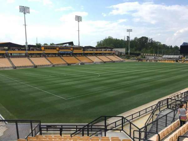 Fifth Third Bank Stadium, section: 120, rangée: Q, siège: 8