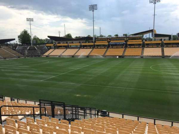 Fifth Third Bank Stadium, section: 128, rangée: R, siège: 10