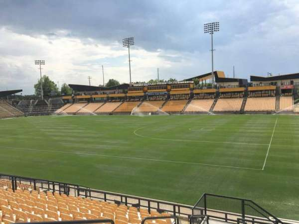 Fifth Third Bank Stadium, section: 131, rangée: R, siège: 4