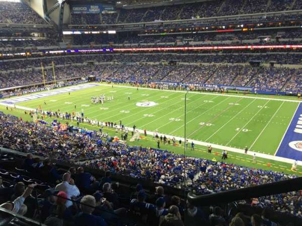 Lucas Oil Stadium, section: 409, rangée: 2, siège: 1