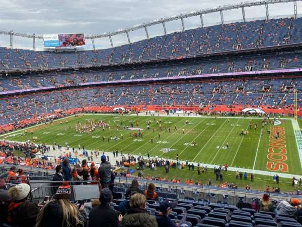 Empower Field at Mile High Stadium, section: 304, rangée: 13, siège: 5