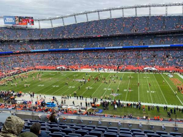 Empower Field at Mile High Stadium, section: 306, rangée: 9, siège: 3