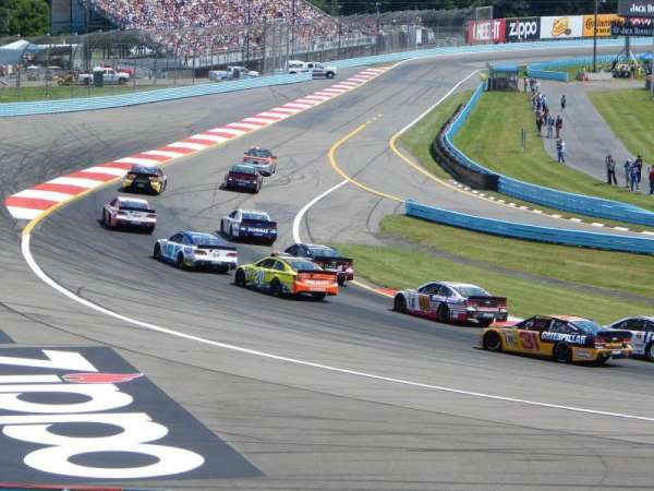 Watkins Glen International, section: Ninety, rangée: 21-28