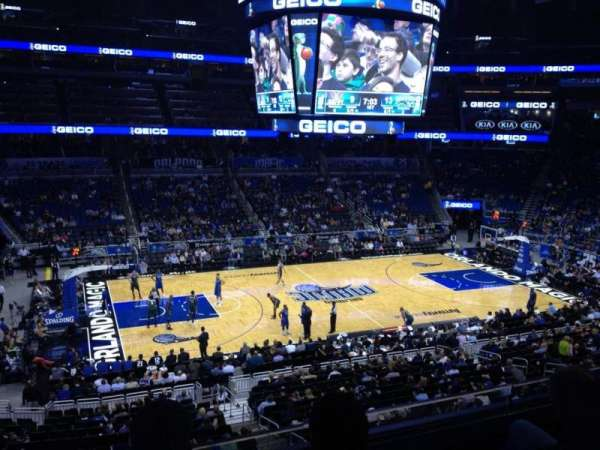 Amway Center, section: Club E, rangée: 3, siège: 9