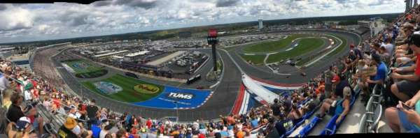 Charlotte Motor Speedway, section: Ford E, rangée: 67, siège: 25