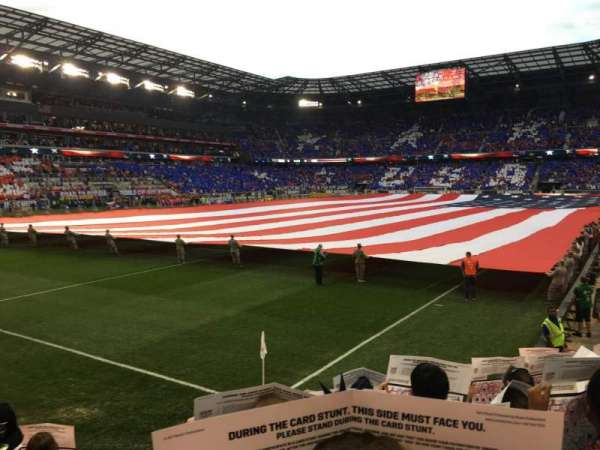 Red Bull Arena, section: 130, rangée: 6, siège: 15