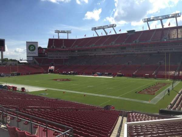 Raymond James Stadium, section: 241, rangée: F, siège: 22