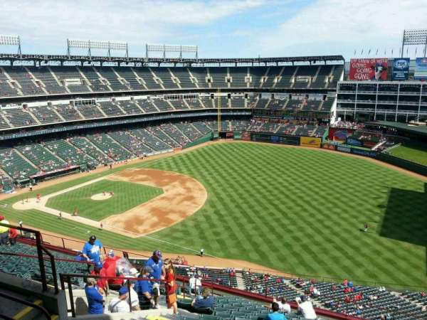 Globe Life Park in Arlington, section: 339, rangée: 16, siège: 10