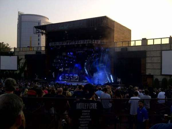 Fiddler's Green Amphitheatre, section: 202, rangée: D, siège: 25