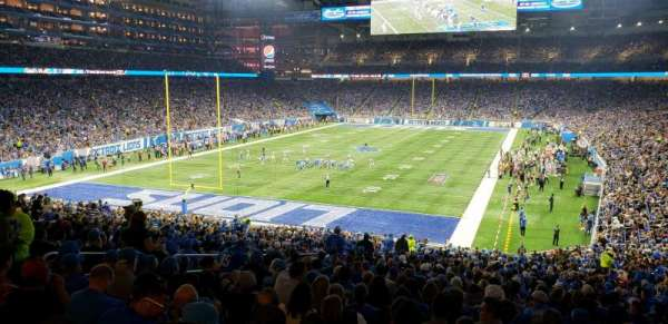 Ford Field, section: 119, rangée: ADA, siège: 8