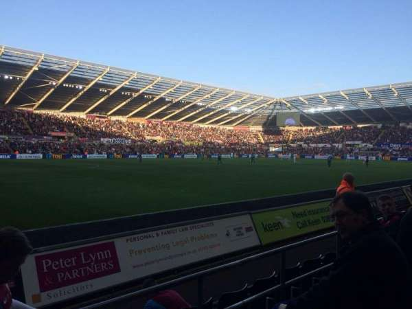 Liberty Stadium, section: West Stand Lower 9, rangée: D, siège: 253