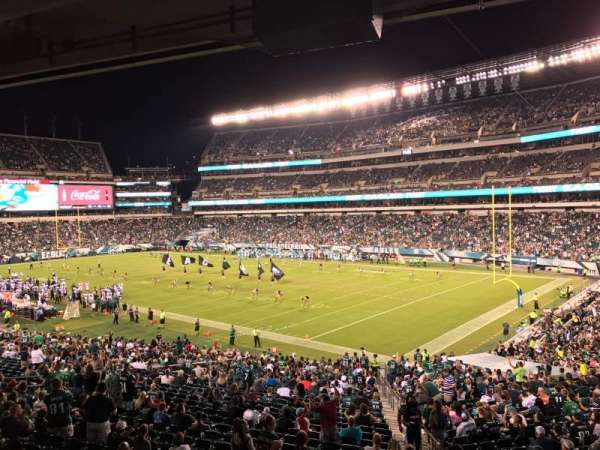 Lincoln Financial Field, section: LS72, rangée: 3, siège: 5