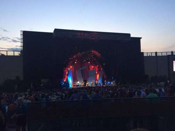 Fiddler's Green Amphitheatre, section: 204, rangée: C, siège: 1