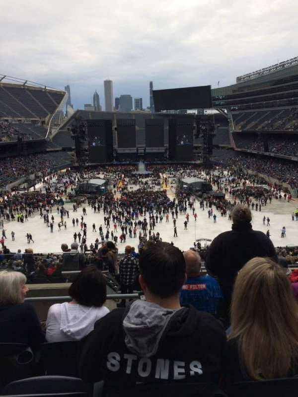 Soldier Field, section: 322, rangée: 10, siège: 3