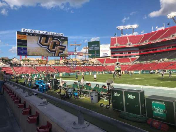 Raymond James Stadium, section: 112, rangée: A, siège: 20