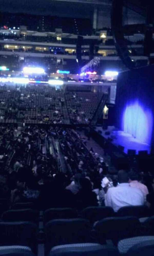 American Airlines Center, section: 105, rangée: w, siège: 9