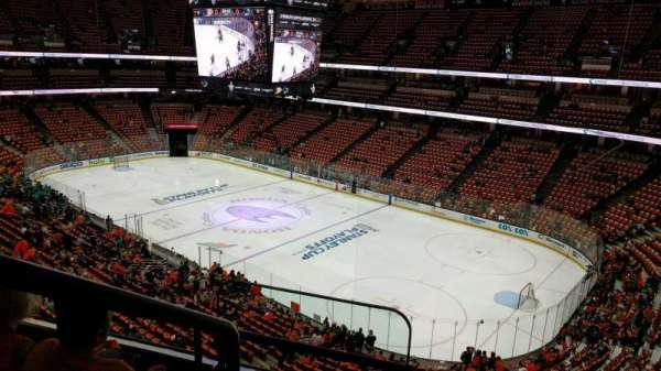 Honda Center, section: 406, rangée: C, siège: 16