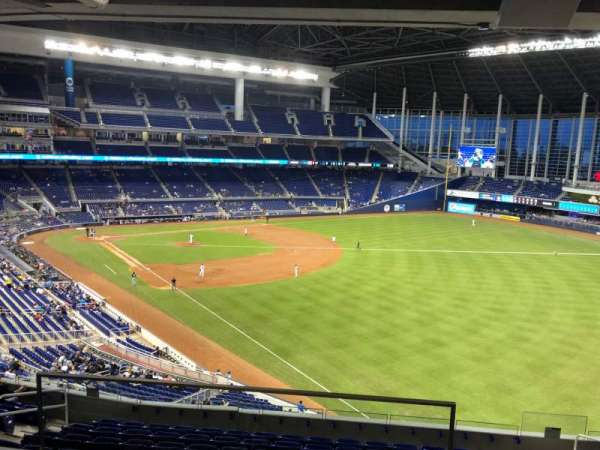 Marlins Park, section: 202A, rangée: 2, siège: 6