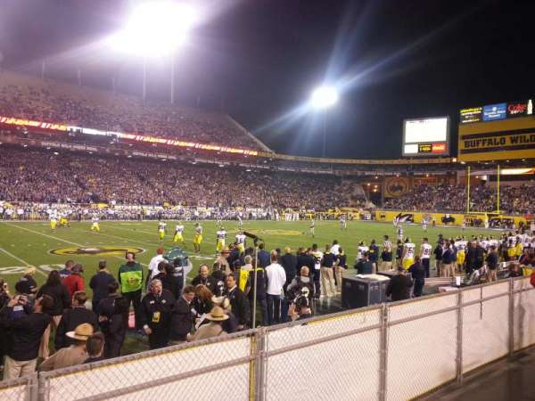 Sun Devil Stadium, section: 9, rangée: 4, siège: 23