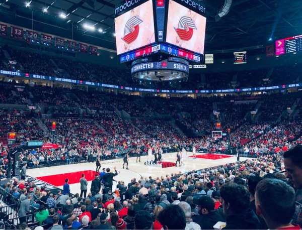 Moda Center, section: 103, rangée: M, siège: 15