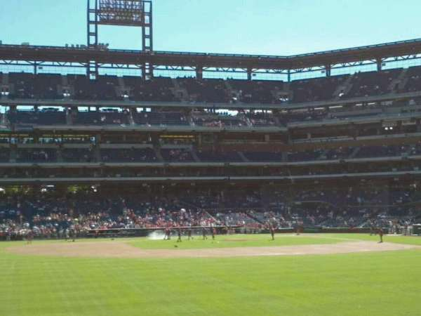 Citizens Bank Park, section: 144, rangée: 3, siège: 16