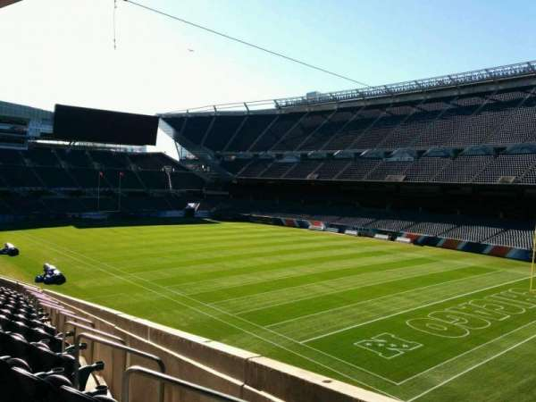 Soldier Field, section: 202, rangée: 13, siège: 5